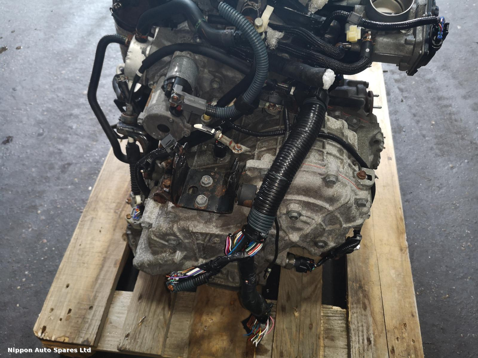 Toyota ESTIMA Gearbox 4WD AUTO some damage to it : 54275