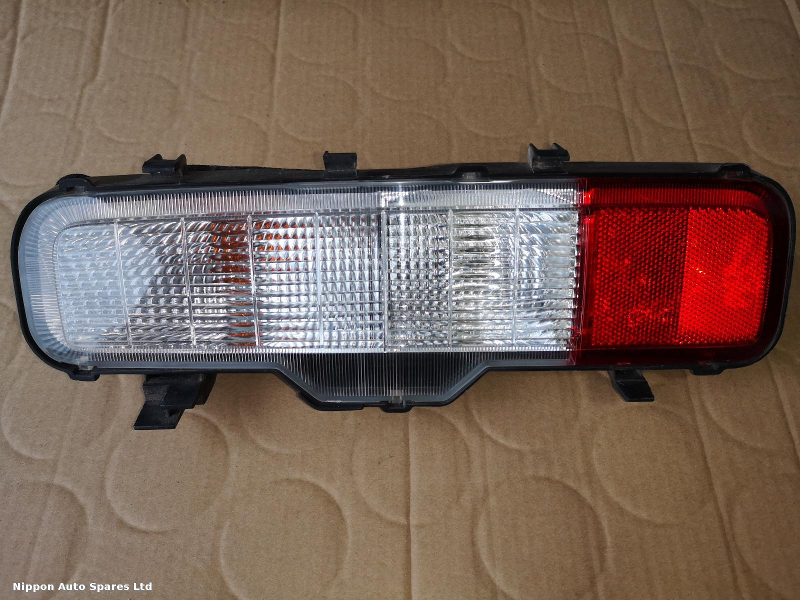 Nissan ELGRAND R Taillight PRE FACELIFT LOWER: 55114