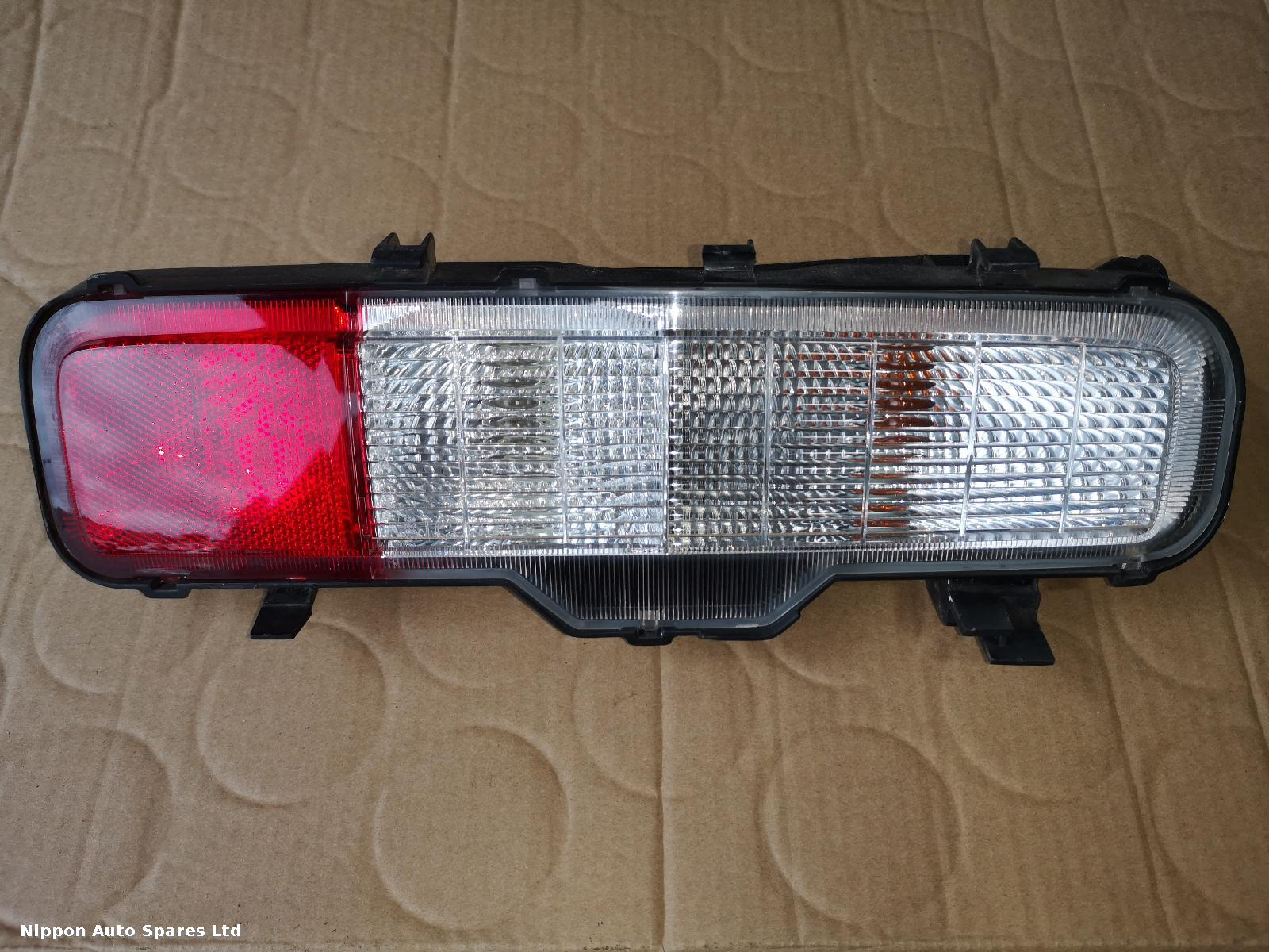 Nissan ELGRAND L Taillight PRE FACELIFT LOWER: 55115