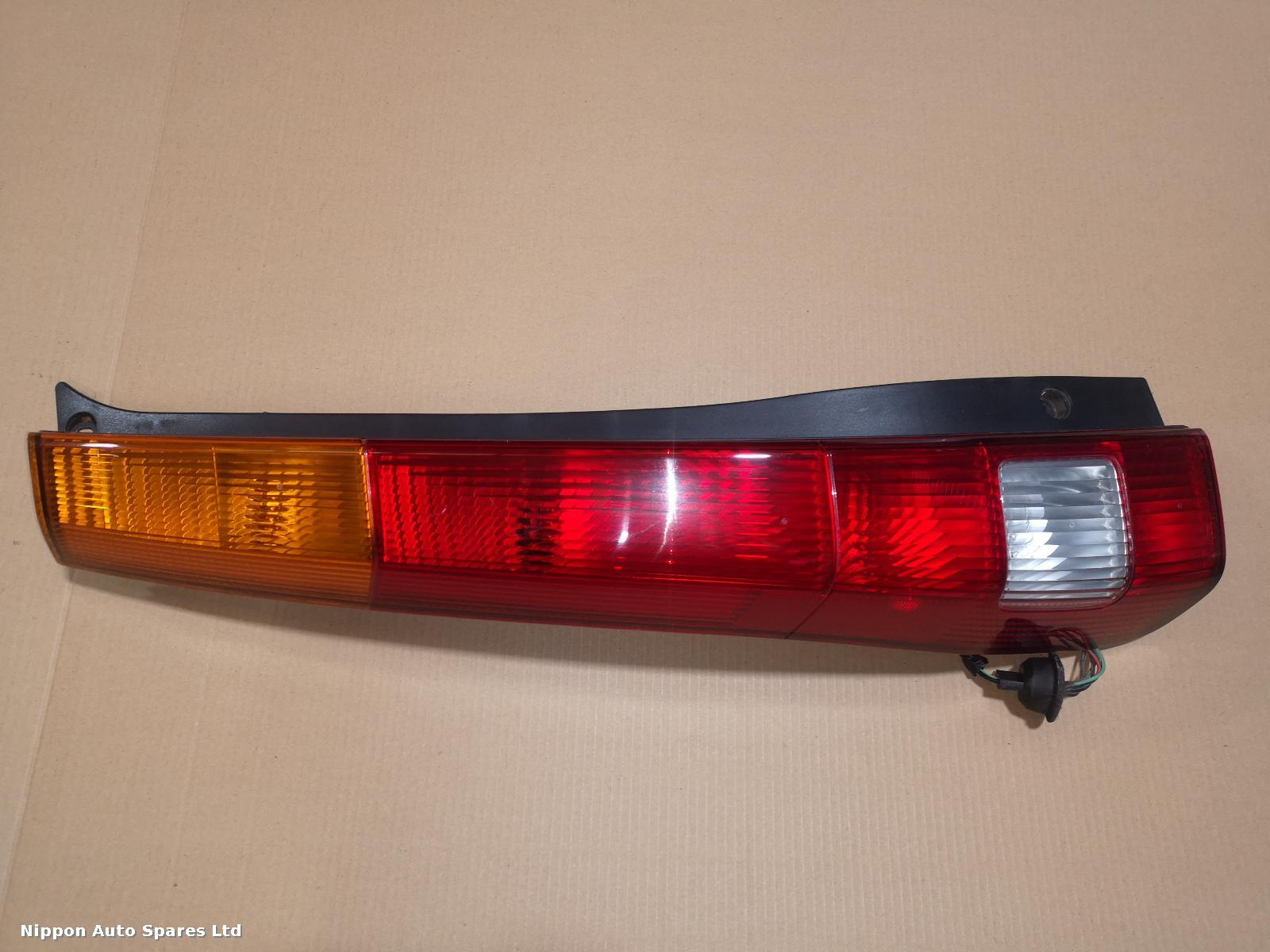 Honda CRV L Taillight PRE FACE LIFT ORANGE TYPE: 55893