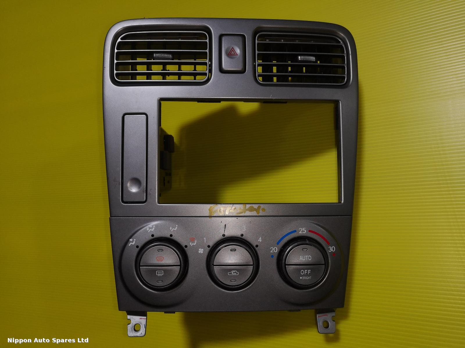 Subaru FORESTER Heater/AC Controller 72311-SA000 WITH SURROUND: 56282