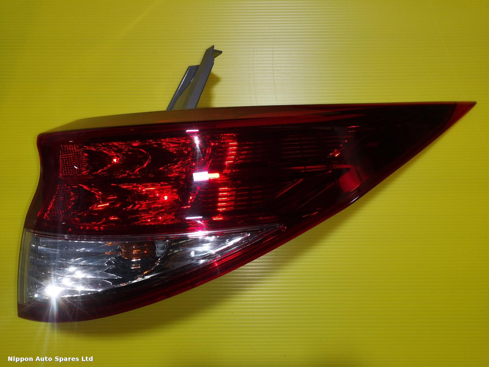 Toyota ESTIMA R Taillight OUTER FACELIFT RED : 56532