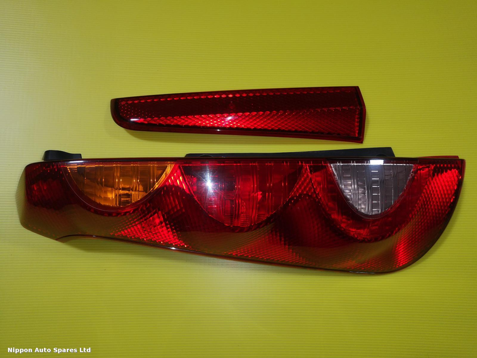 Nissan NOTE L Taillight RED/ORANGE: 57033